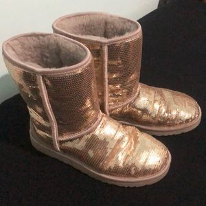 UGG Gold Sequined Classic Short Boot Sz 9
